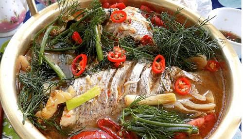 Cá rô phi nấu canh chua