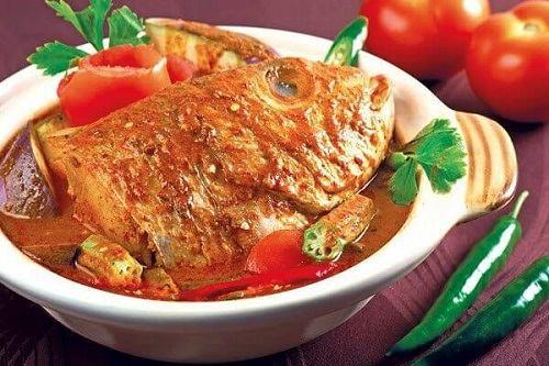Cá nanh heo nấu cà ri